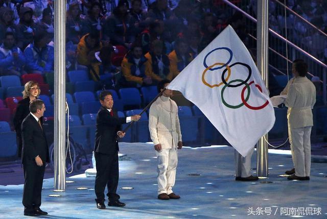 平昌冬奥会火炬塔被烧焦面临倒塌,韩国人现在后悔了:不该办