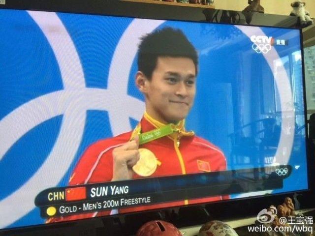 王宝强马蓉太坑,抢完奥运风头,又抢冬奥头条,刘国梁曾安慰他