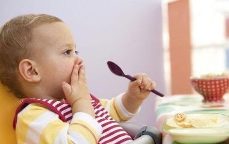 春节吃饭 别再怪孩子在餐桌上给你丢面子了