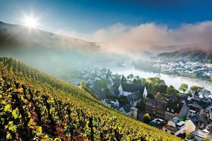 法国蔚蓝海岸入选全球最浪漫的17个旅行目的地