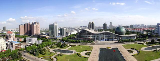 中国最逆天的两座县级市:两座均号称GDP超3500亿,第一县市之争