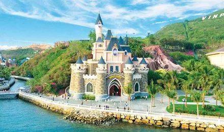 珍珠岛游乐园是芽庄最知名的景点,但要提前兑好越南盾前往.图片