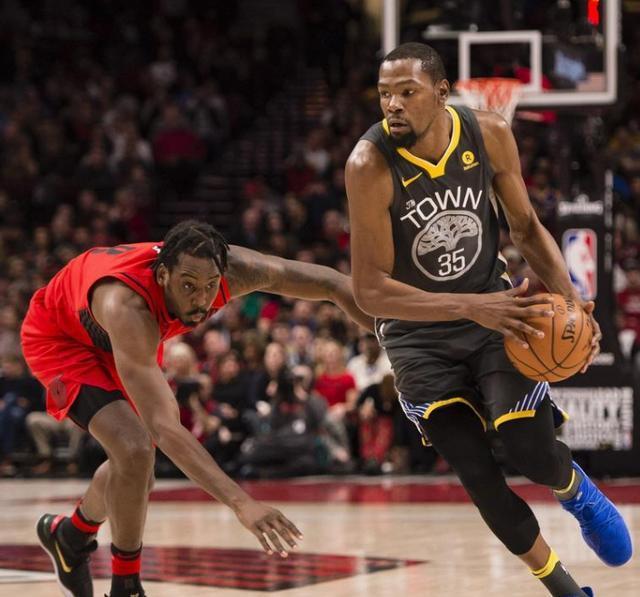 勇士连续遭火箭雷霆双杀,NBA第一宝座也被抢走