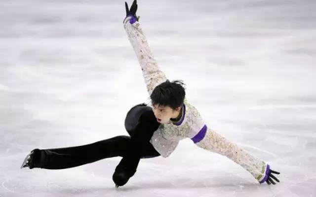 花样滑冰中国选手_除了你们的老公羽生结弦,冬奥会上还有这些让人窒息的美好肉体
