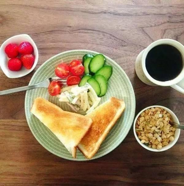 过年一定管好孩子的作息!吃早餐对学习影响巨大,比补课还有用!