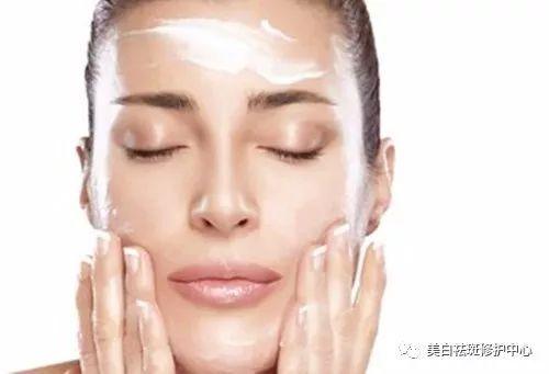 涂涂护肤老师:得了激素脸,这样治疗才会不复发!图片