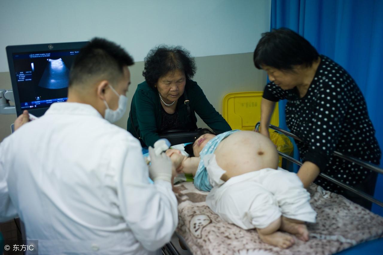 试看身高86厘米的成骨不全妈妈如何生下3斤重孩子,医学奇迹