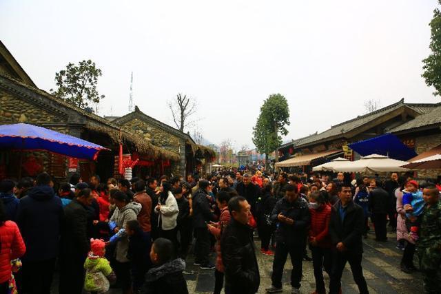 春节在诸葛古镇过大年 大型奇幻三国秀《出师表》令人震撼【莲花飞儿】