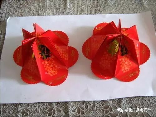 把珠花,吊穗也粘贴起来挂在家是不是看起来美美哒 利是封自制小灯笼图片