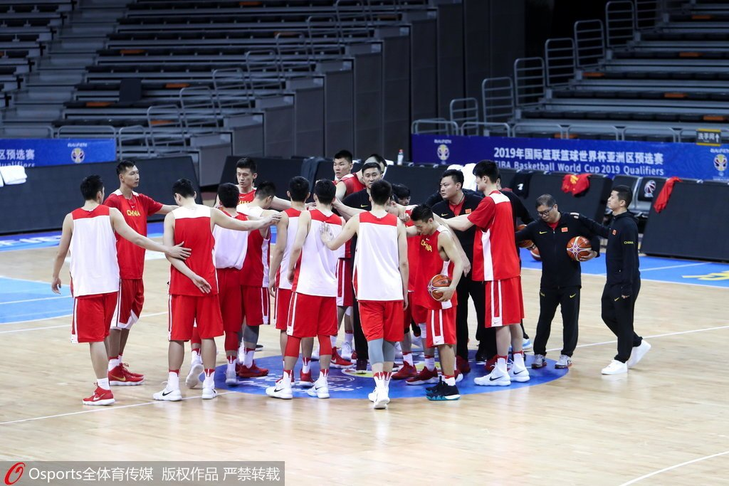 男篮红队备战新西兰挑战多杜锋打出中国