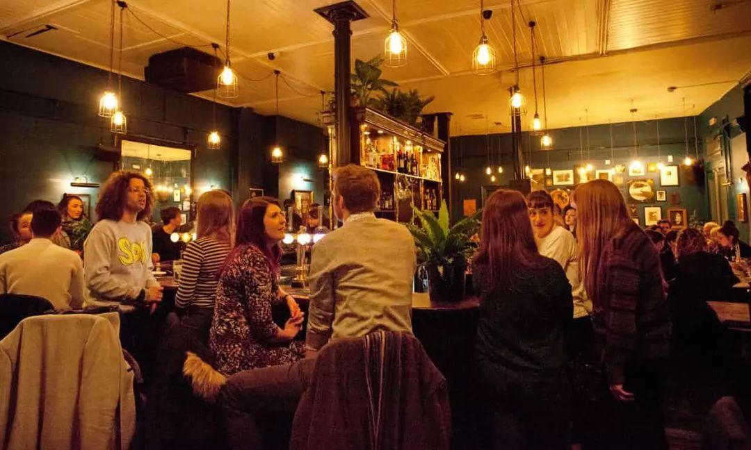 """英国首家纯素酒吧正式营业,告别酒精!选择植物性饮食,让我们吃""""草""""吃出健康生活!"""