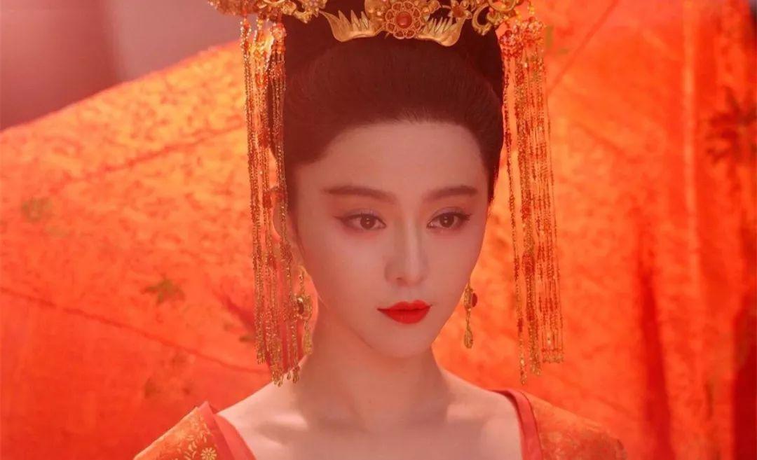 美人上四大内裤中的杨贵妃,因其与唐玄宗名垂千古的绝唱历史,成为后世的情趣爱情区别图片