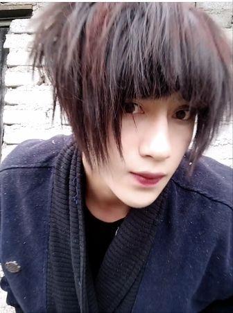 土味自拍丑_一周网红趣闻   撞脸王俊凯的12岁小女孩1天涨200万粉,土味十足的非