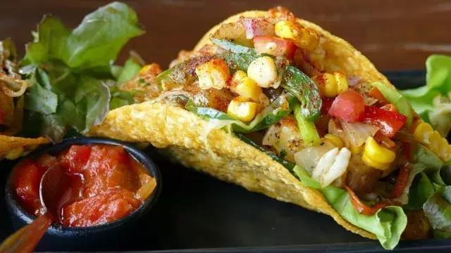 复杂的墨西哥餐_你会选择搭配吗?
