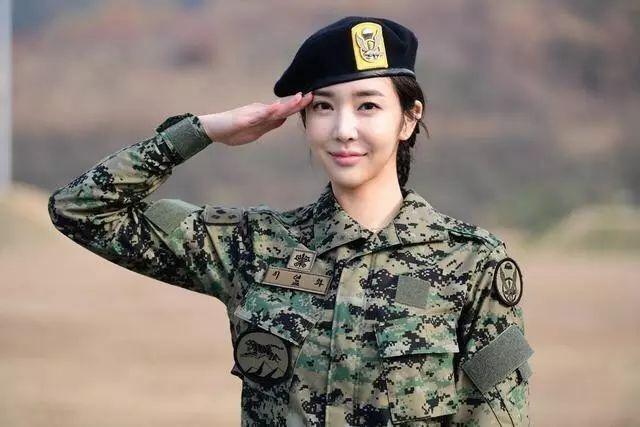 看完五大常任理事国女兵,就知道中国女兵颜值不输任何国家