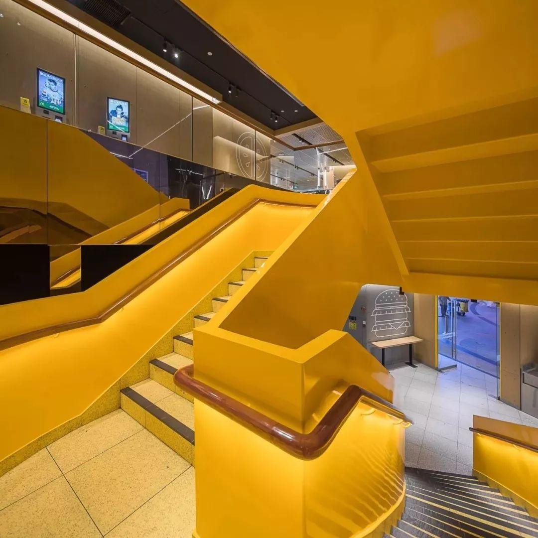 金拱门M广州搞了首家 未来餐厅 ,超过95 的员工是90后,将开2600家