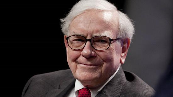 巴菲特在不断减持IBM股票 增持苹果股票