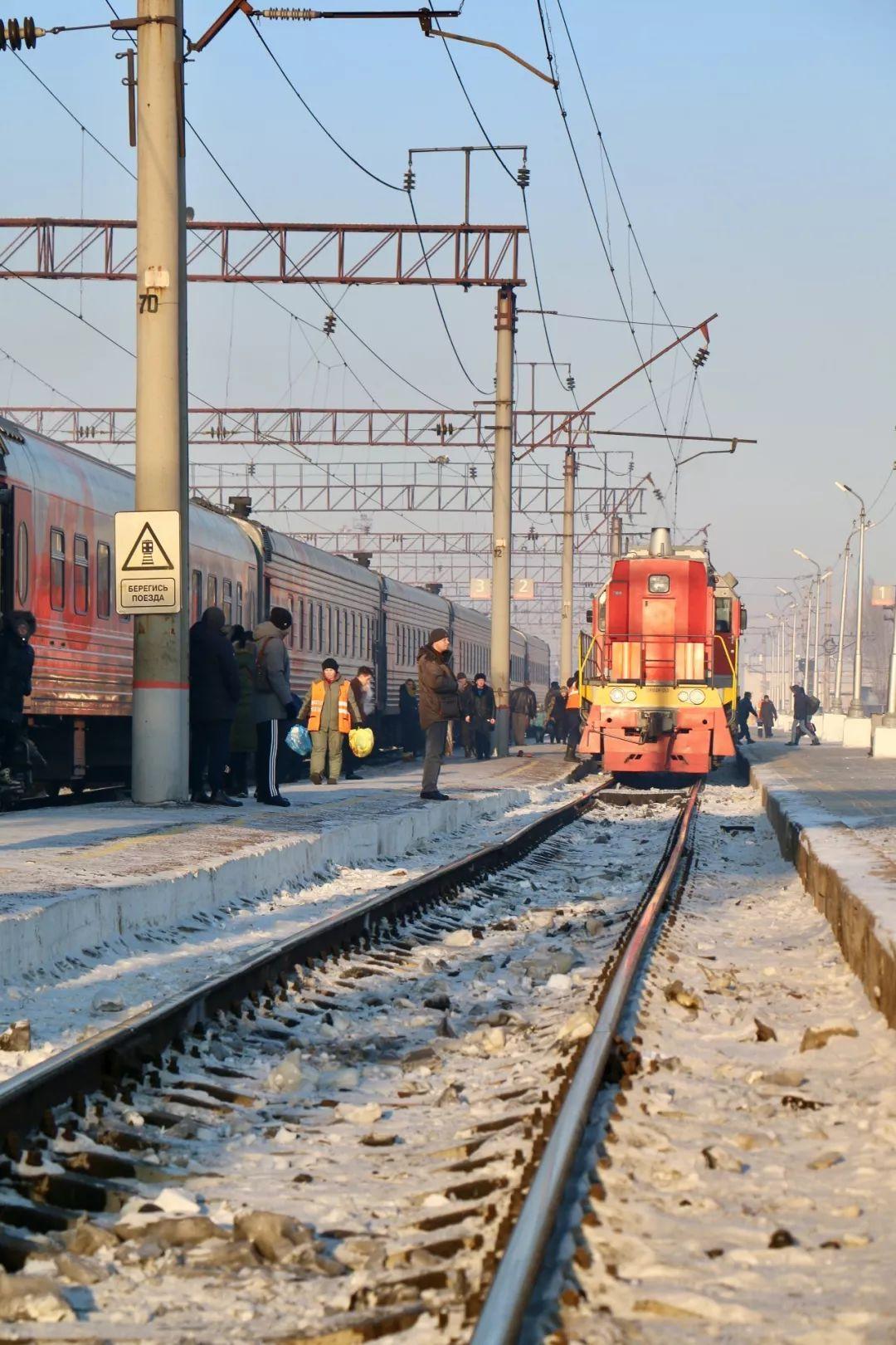 坐火车穿越西伯利亚 | 荐书