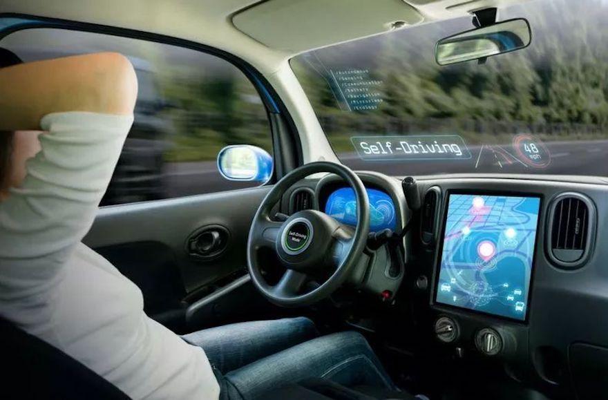 惊艳!用Mate10 Pro手机操控保时捷,华为也要搞自动驾驶!