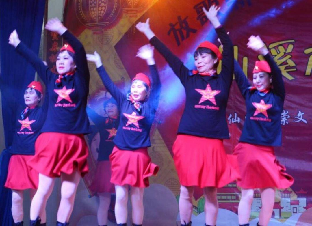 扇子舞视频大全桃花姑娘 姐妹广场舞下载 - 广场舞视频