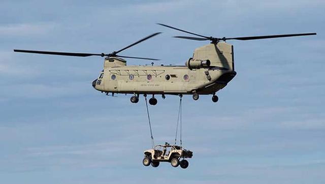 坐飞机还得能跳伞,但是说的不是伞兵,而是