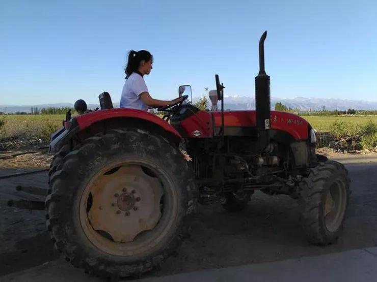 90后海归美女回家当农民,无人机种地月入10万… | 生意