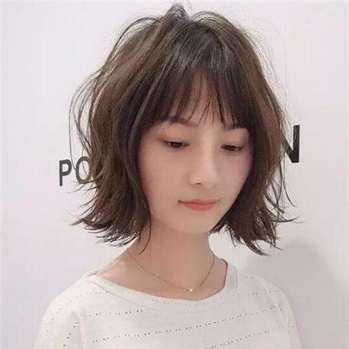 2018流行短发look7
