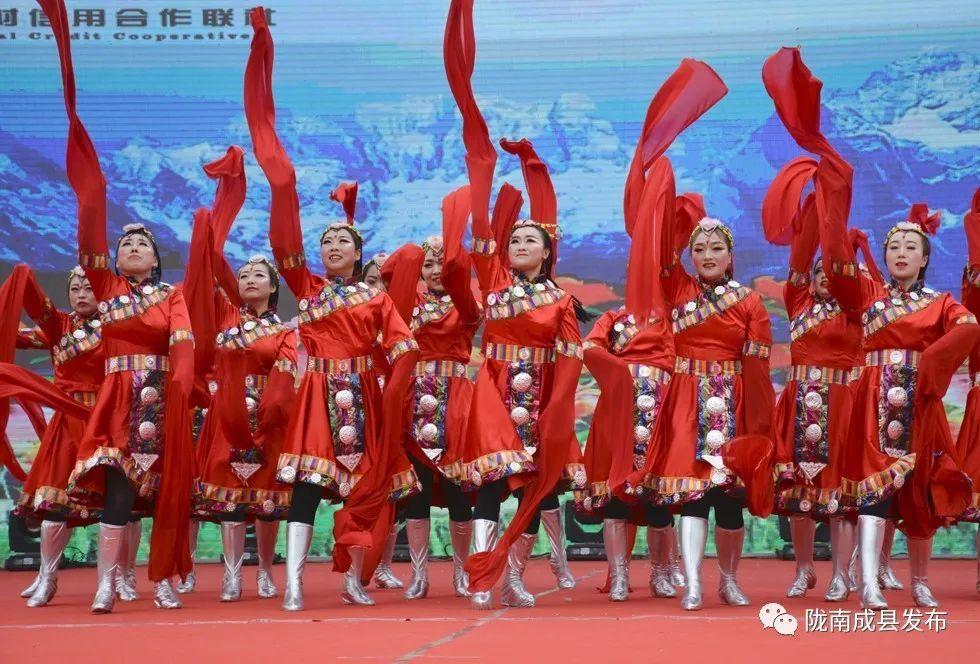 围观 | 成县财税金融系统迎新春文艺汇演精彩纷呈