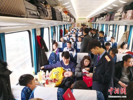春运客流仍保持高位运行元宵节前后迎新一轮客流高峰