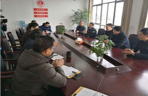 社会 正文  2018年2月22日,春节后上班第一天,如东县委书记潘建华来到