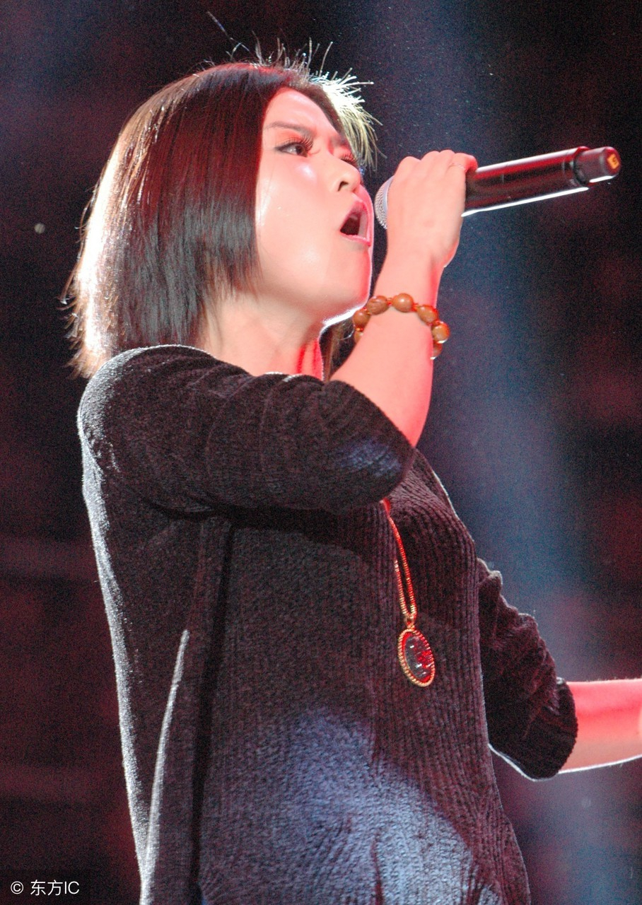 有请主角儿:中国达人秀冠军重返舞台,潘倩倩爷们嗓音献唱引惊呼
