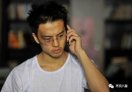 林超贤是希望尹昉饰演通讯兵庄羽的,但在见了他本人之后,觉得太有少年图片