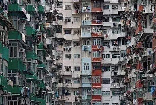 """没见过香港的""""棺材房"""""""
