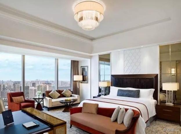 酒店行业:渠道布局显战略,龙头加速再成长