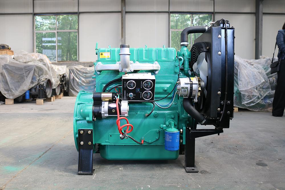 玉柴850kw柴油发电机广泛应用 数据中心、国防、航空、车辆、船舶、工程机械、房地产、酒店、医院、学校、企业、矿山、交通物流、水利电力、工程机械、建筑工地等领域,是理想的备用电源首选。,并以其体积小、重量轻、抗突加负载能力强、噪音低、经济可靠等特点被世界认可。 玉柴850KW柴油发电机保修期承诺如下: 1、我公司承诺对柴油发电机组提供从供货之日起计24个月或2000小时的质保期(以先到为准)。质保期内,一切因厂方产品本身质量问题或原材料选用不当而导致的机组故障,均由本公司负责。唯机组易损件、人为操作失误