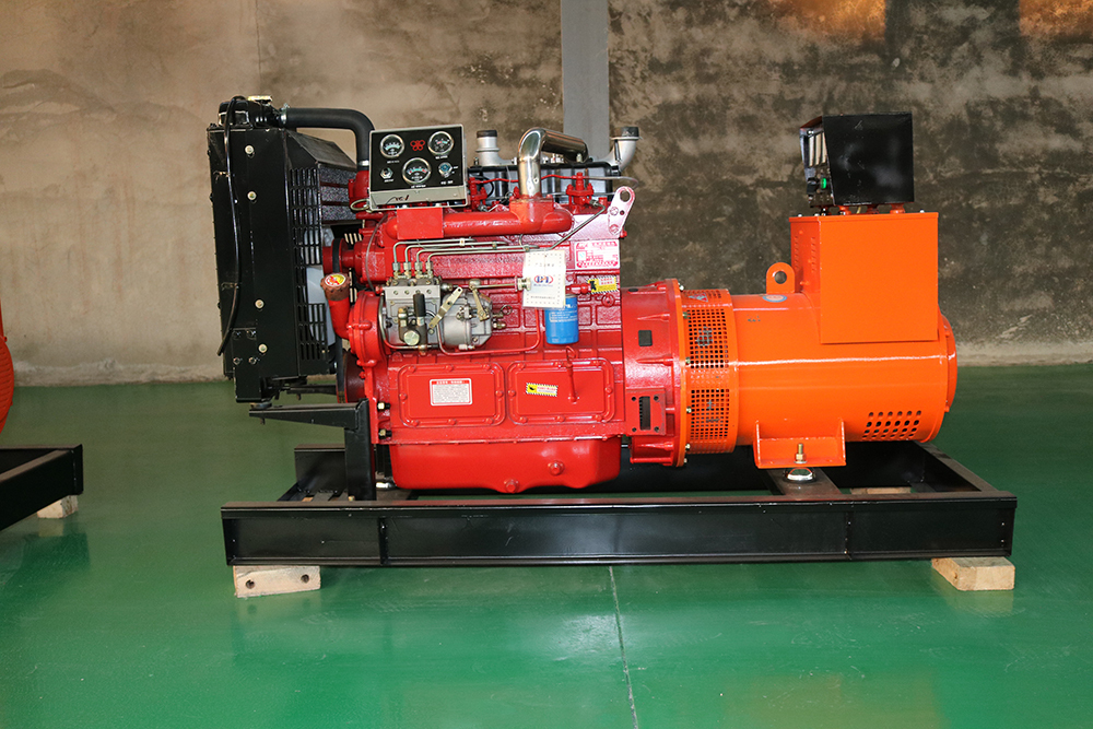 玉柴800kw柴油发电机 玉柴800kw柴油发电机特点描述 1、玉柴燃油消耗率和润滑油消耗率远优于国内同类产品; 2、震动小、噪声低、排放达到欧洲标准,引领国家环保要求; 3、功率强劲,可靠性高,能在1小时内输出额定功率110%超负载功率; 4、产品质量全面达到或超过国家有关标准; 5、24个月或2000小时的三包期; 6、玉柴机器在全国设立的2500多个服务站将为用户提供快速及时方便的优质服务,让你放心使用。 玉柴800kw柴油发电机售后保障服务 三包政策 本公司严格执行国家制定三包政策,出现质量问题