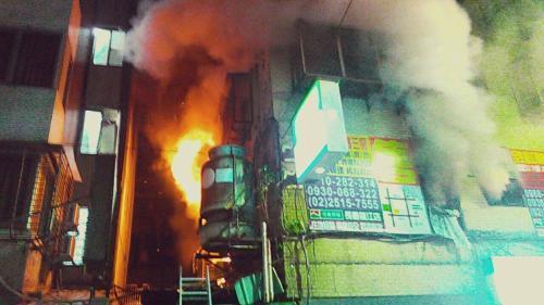 不满其他房客吵闹 台一男子纵火致1死7送医