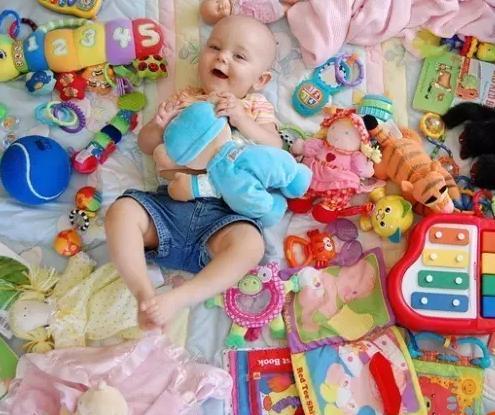 经育儿专家证实,宝宝5个玩具就够了,太多影响宝宝智力发育!