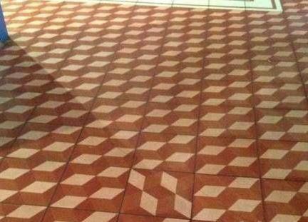 新澳门金莎娱乐场官网:对于强迫症来说实在是看不下去啊真想把地板抠开