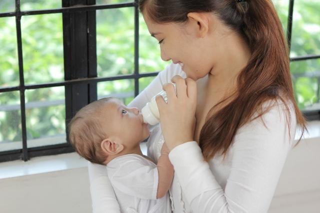 宝宝断奶的最佳时间_最适合断奶的季节到了,这样给宝宝断奶,孩子少生病,妈妈少遭罪