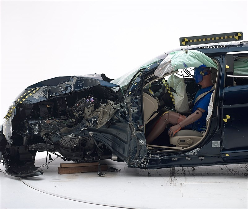 安全至上福特金牛座和丰田亚洲龙谁更安全_快乐十分开奖记录