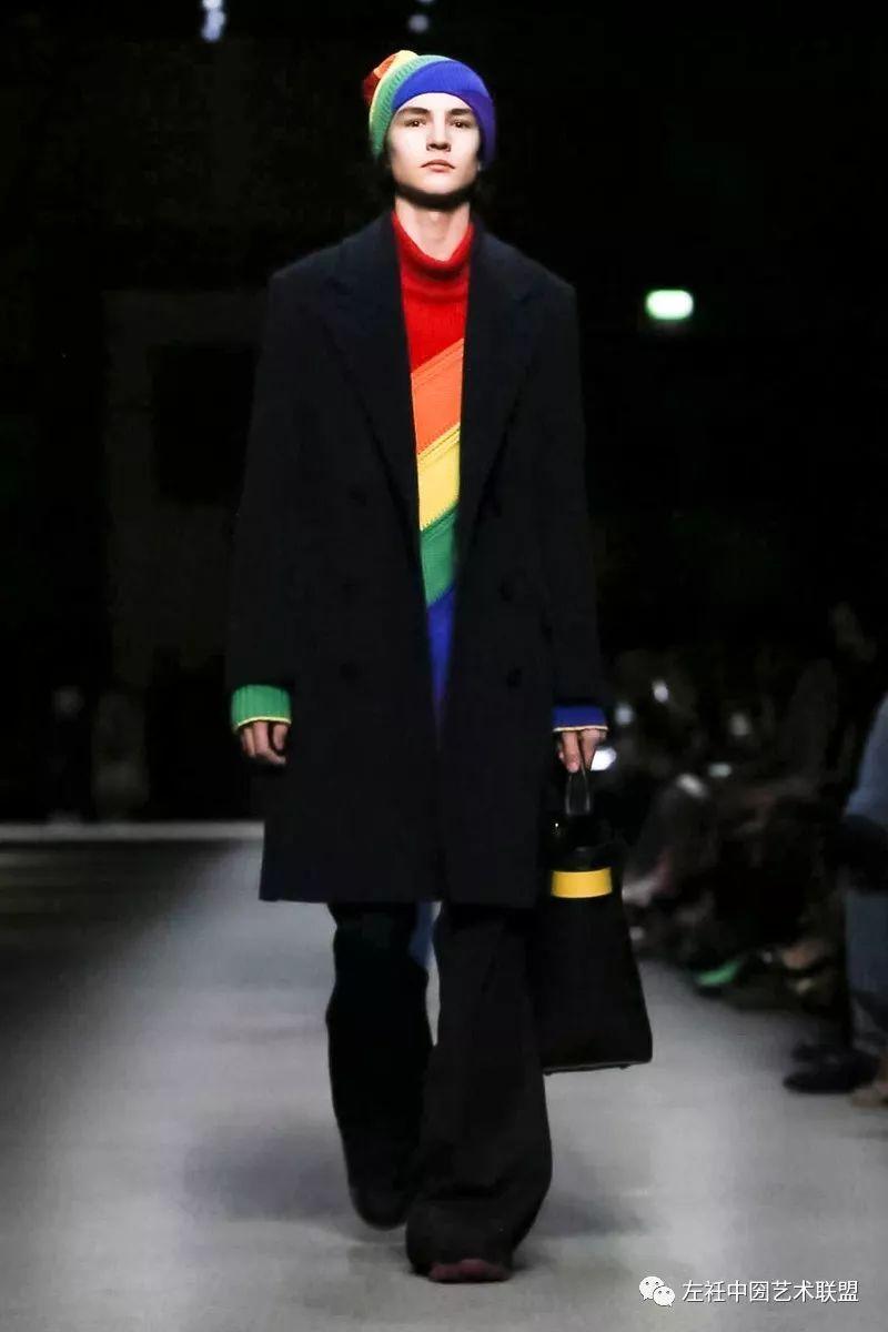 一个时代的终结 | Christopher Bailey走后再无Burberry,整场的彩虹为他谢幕