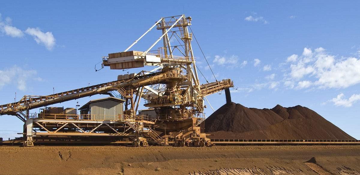 澳大利亚的铁矿石不仅储量大而且品质好,海运又方便,所以澳大利亚的铁矿石充斥着世界市