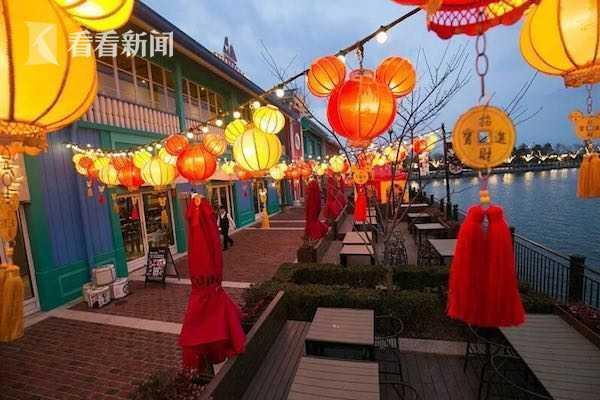 """元宵专场!5折入园来上海迪士尼""""赏花灯"""""""