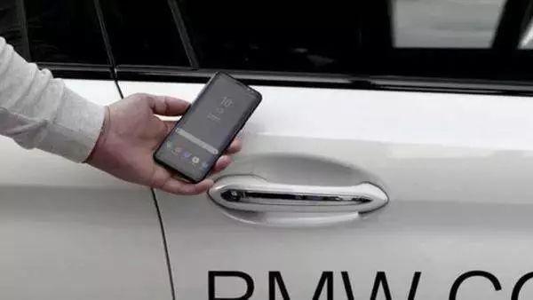MWC2018世界移动通信大会,一起用手机跨界飙车!