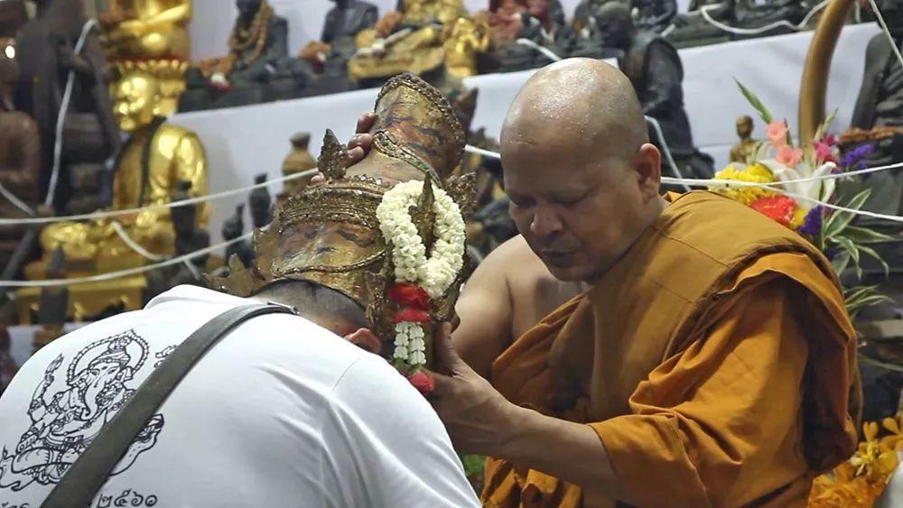 看这位佛系女孩,如何在这花花世界中修行百味人生