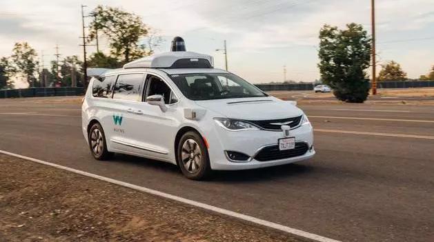 Waymo无人驾驶里程突破800万公里:全景视频详解技术