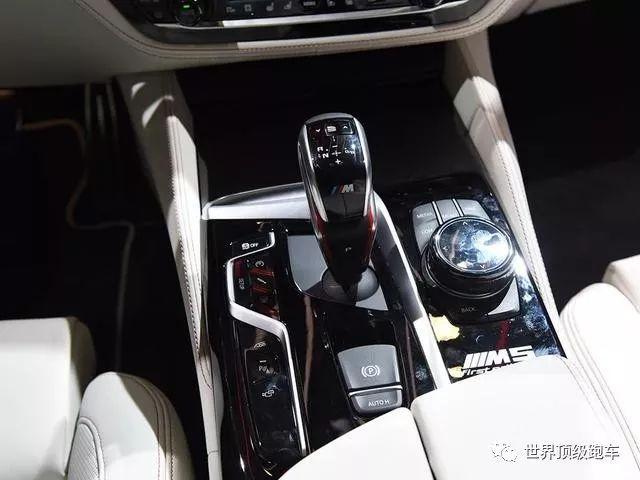 宝马这款四门轿车性能堪比法拉利458还能舒服载四个妹子_快乐十分