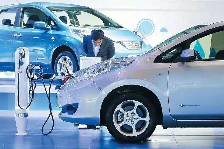 """""""两会""""聚焦新能源,电动车出行何时如你所愿?"""
