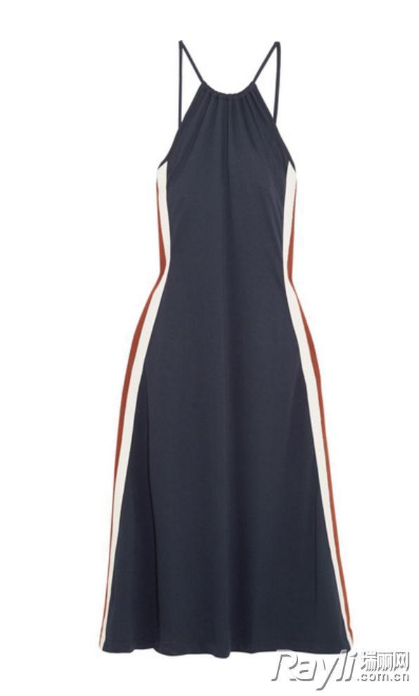 偷来了40年前的冬季裙装穿法想赶回复古潮儿,没想到还真歪打正着了!